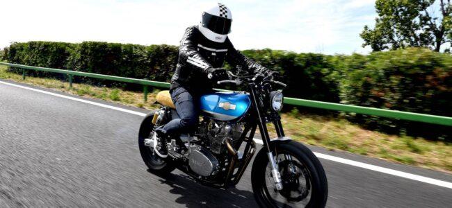 être assuré pour rouler à moto